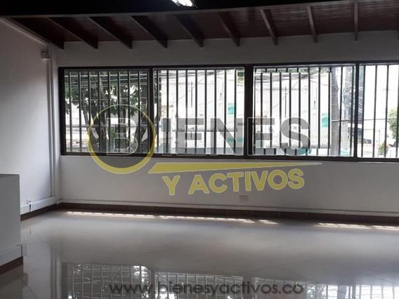 Casa Comercial En Aguacatala - Medellín