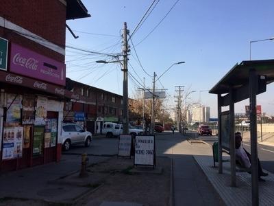 Local Comercial En Arriendo, Metro Vicente Valdés