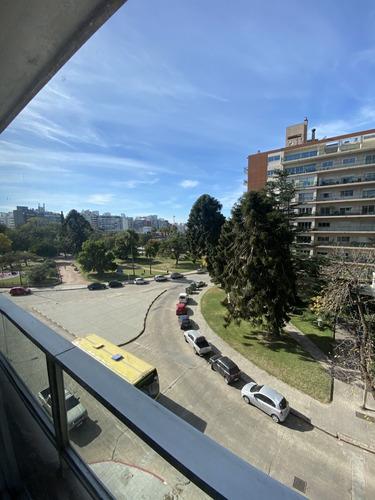 Imagen 1 de 11 de Espectacular Apartamento De 4 Dormitorios En Villa Biarritz