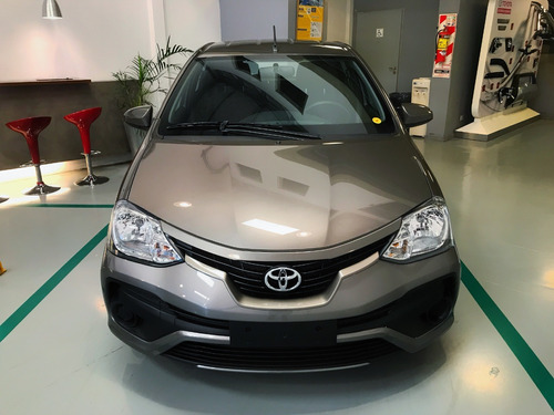 Toyota Etios X 1.5 6 M/t 5p