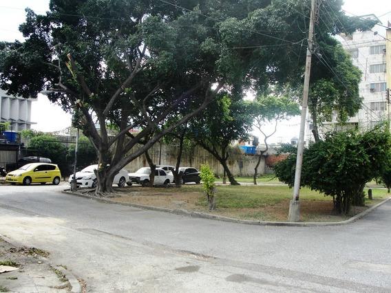 Vendo Terreno En La Av.bolivar Maracay 04124012543