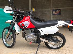Suzuki Dr 650 Roja Con Blanco