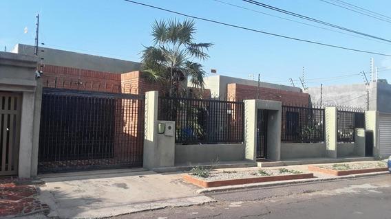 Casa En Venta. El Portal. Mls 19-15077.