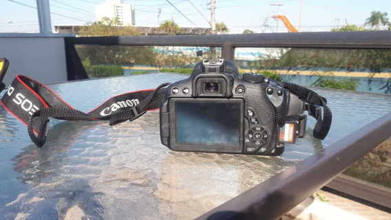 Máquina Fotográfica Canon T5i