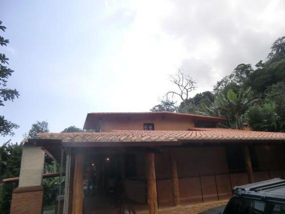 Acogedora Y Especial Casa En Venta En Galipan Mls 18-7681