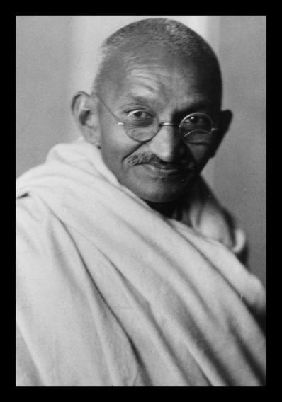Quadro Decorativo Foto Mahatma Gandhi 42x29cm