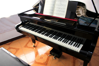 Piano Francés Gaveau 1/2 Cola 173cm, Original Teclado Marfil