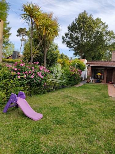 Casa En Venta Jardines De Córdoba Punta Del Este- Ref: 30375