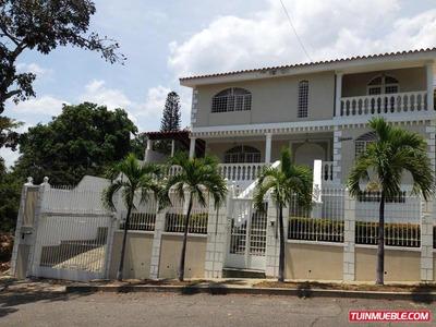 Cc Casas En Venta Dv Co Mls #18-2551