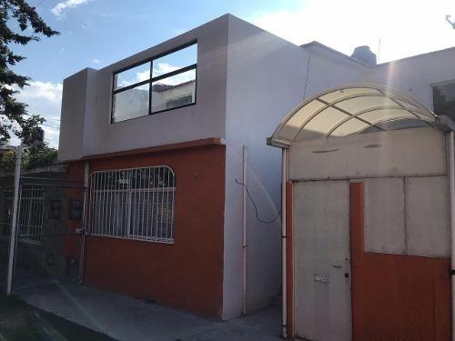 Casa Duplex En Planta Alta, Remodelada, Excelente Zona