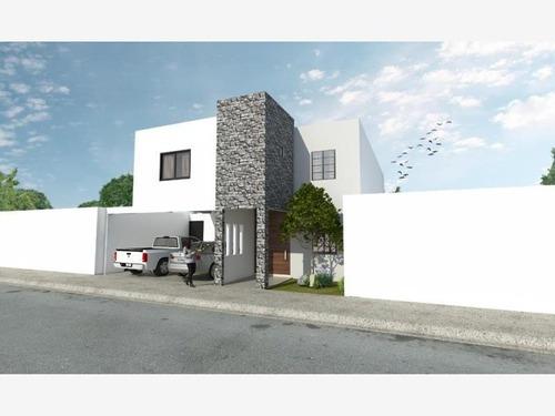 Casa Sola En Venta Fracc. Los Arrayanes