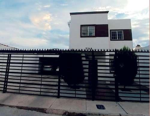Hermosa Casa Super Equipada Con Cochera Para 4 Autos Te Esta Esperando !!!!!!!!!!!
