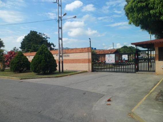 Townhouse En Venta Sabana Del Medio San Diego 20-1691 Gz