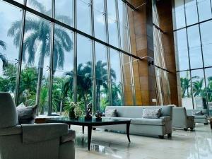 Apartamento En Venta En Costa Del Este 21-8604 Emb