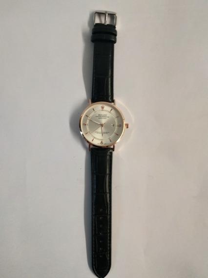 Reloj Dama Negro Aplicaciones Doradas