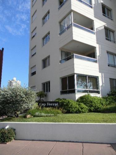 Imagen 1 de 11 de Apartamento En Edificio Cap Ferrat A 200 Metros Del Mar