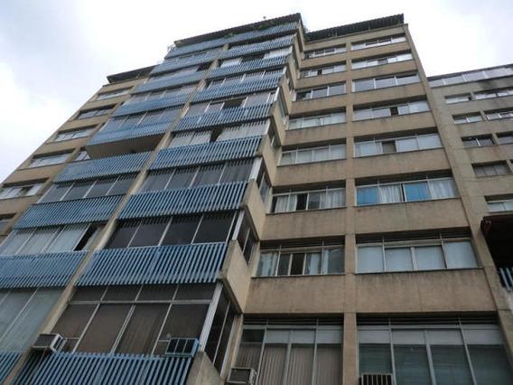 Apartamento En Venta Mls #19-10108 Am