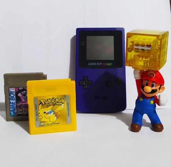Nintendo Game Boy Color + Fita Pokemon Yellow + Boneco