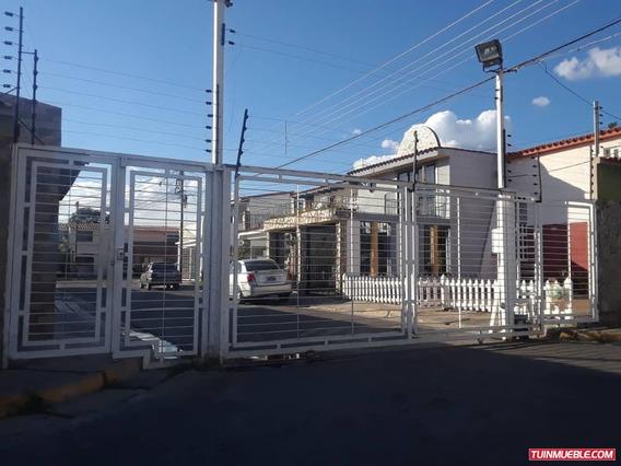 Casas En Venta En Urb Valle Paraiso 04125317336