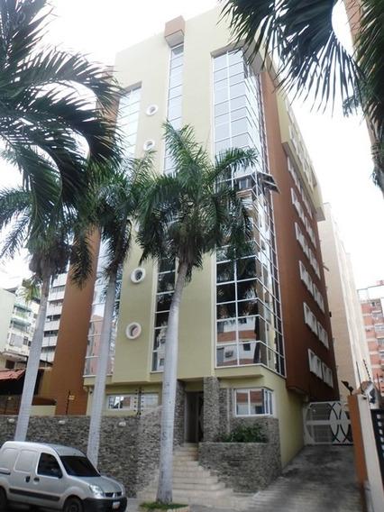 Apartamento En Venta Urb San Isidro 04144750873