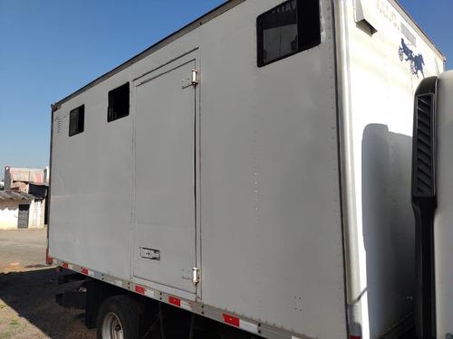 Imagem 1 de 6 de Bau De Aluminio Para Cavalo Boiadeiro Animais