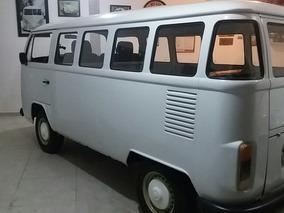 Volkswagen Kombi Standard 9 Lugares