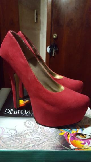 Stilettos Rojos