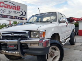 Toyota Hilux Cabina Y Media Blanca 1995