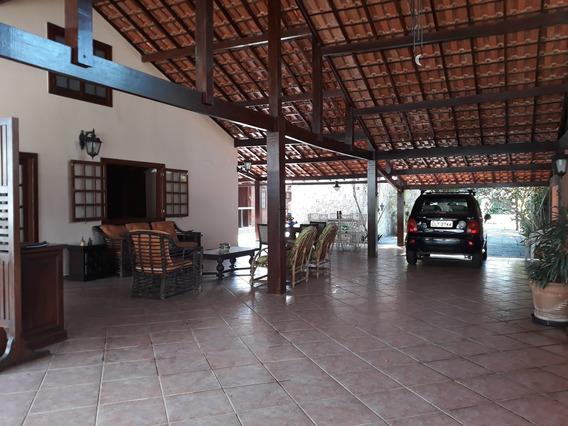 Casa Independente Com Piscina E 04 Quartos, No Praião