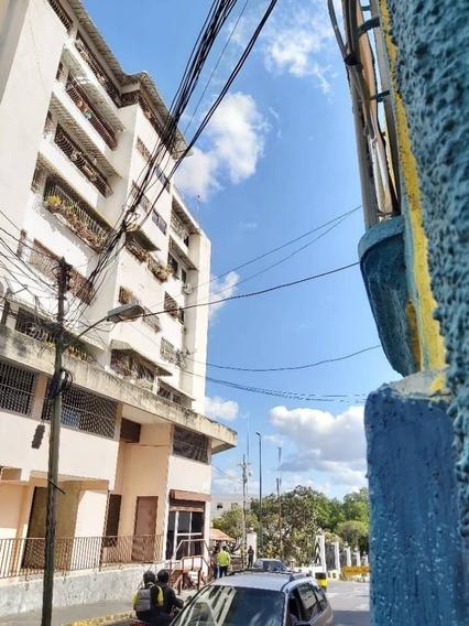Venta Apartamento En La Av Urdaneta/ Vm 04165298155