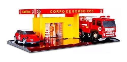 Imagem 1 de 2 de Brinquedo Mini Posto De Bombeiro E Garagem Carrinho Poliplac