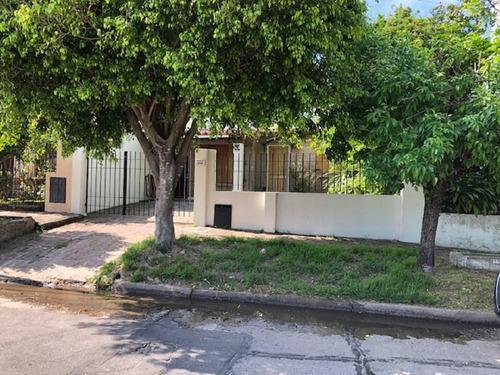 Venta Casa Beccar 2 Dormitorios, Patio Gagarge