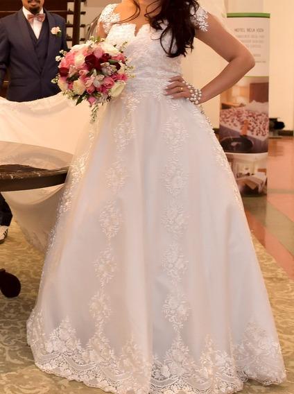 Vestido De Noiva Usado 1 Vez Apenas/ Renda/ Princesa/ Novo