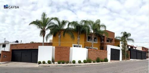 Casa En Venta En Quintas Del Sol (alberca)