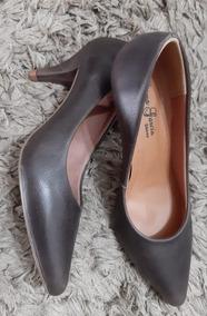 Sapato Scarpin Em Couro Salto 6 Cm