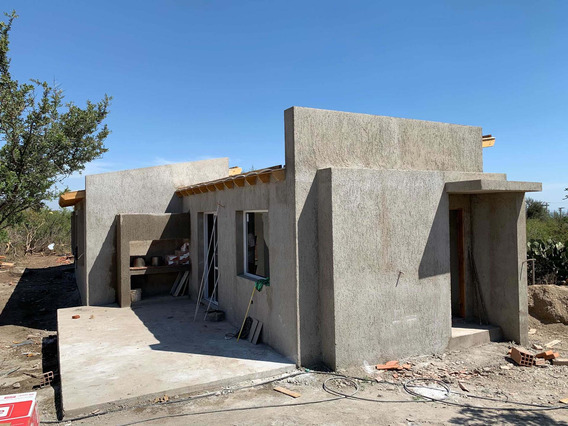 Casa De Dos Dormitorios. Se Entrega En Febrero 2020