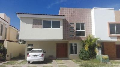 Renta Casa En Jardin Real - 1581001000