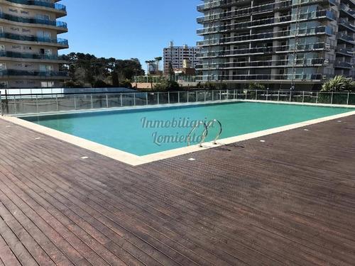 Alquiler Anual-venta Apartamento 2 Dormitorios Torre Francia.- Ref: 231