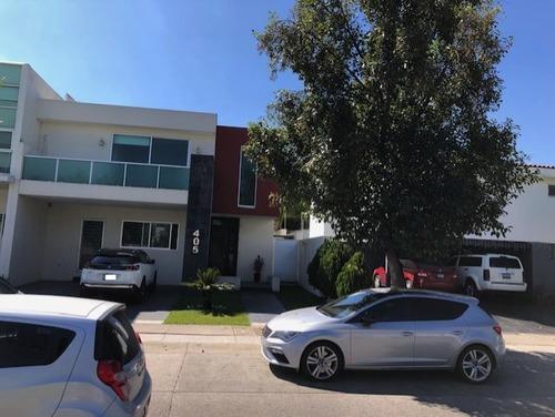 Venta De Casa En Residencial Solares, Jalisco.