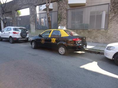 Busco Chofer De Taxi, De 13 Hs A 23 Hs,alquiler $ 1000.-