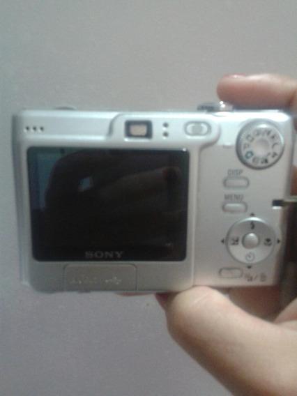 Câmera Sony Cyber-shot 7.2 Mega Pixels