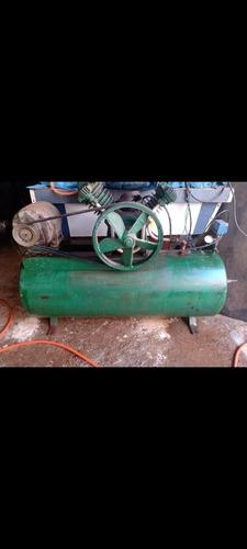 Imagem 1 de 5 de Compressor