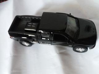 Miniatura Chevrolet Silverado (1999) - Escala 1:32