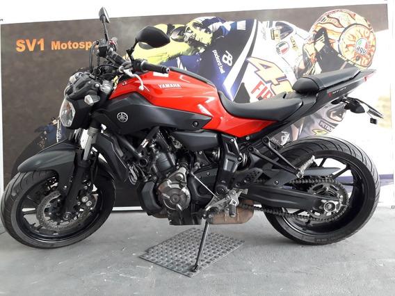 Yamaha Mt07 - Impecável