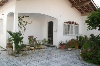 Casa No Bairro Suarão, Á 50m Da Praia, 5 Minutos Do Centro C