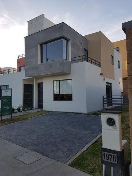 Casa En Venta En Col. Villas Del Campo