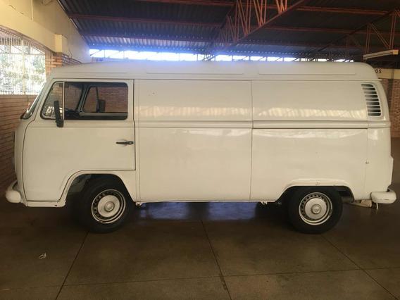 Volkswagen Kombi 1.6 3p Álcool 2001