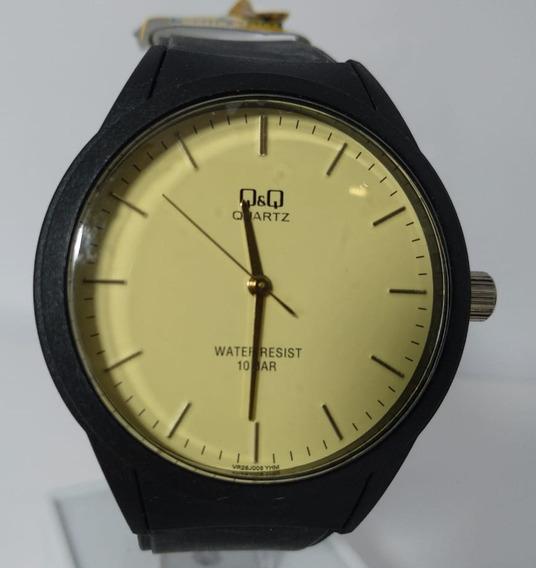 Relógio Q&q Preto Fundo Dourado Fashion - Vr28j005y