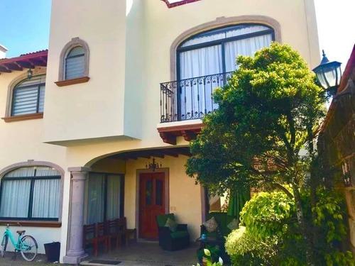 Casa Amueblada En Renta Lomas De Ahuatlan $18,500.00 Fracc.