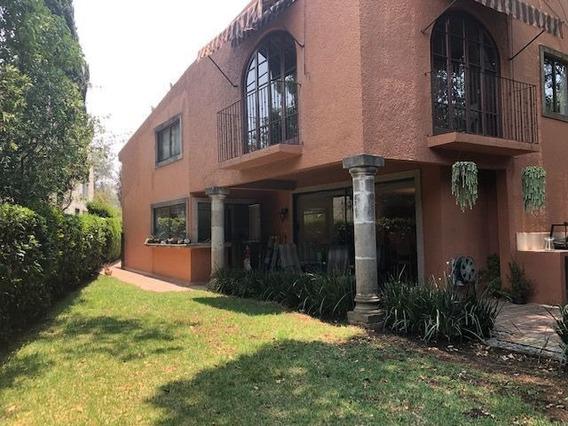 Casa En Condominio Con Jardín Y Terraza